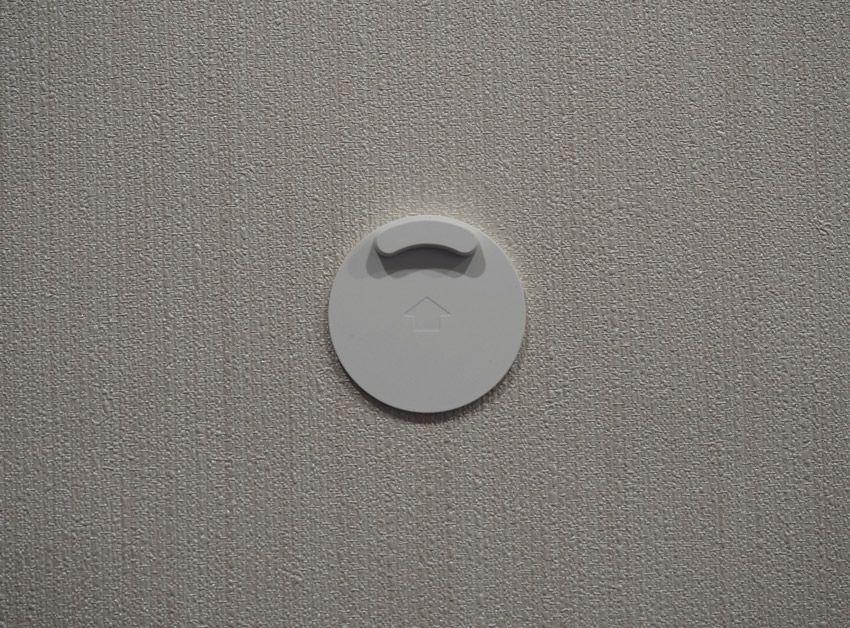 Крепление гигротермографа Xiaomi на стене