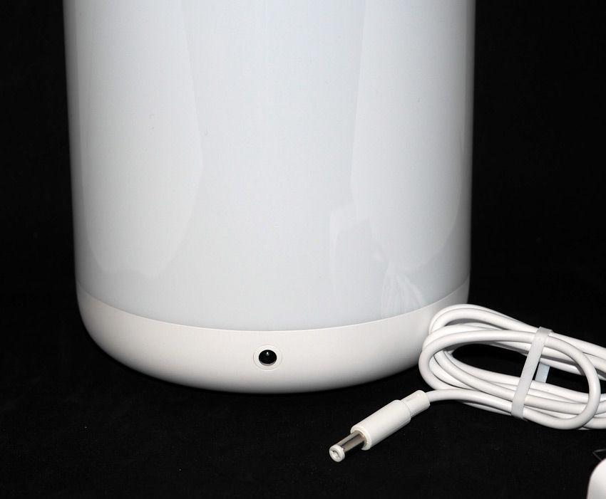 Фото разъема для подключения питания прикроватной лампы Xiaomi