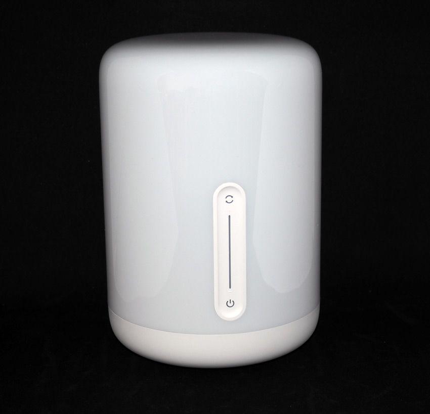 Фото умного светильника Xiaomi bedside lamp 2