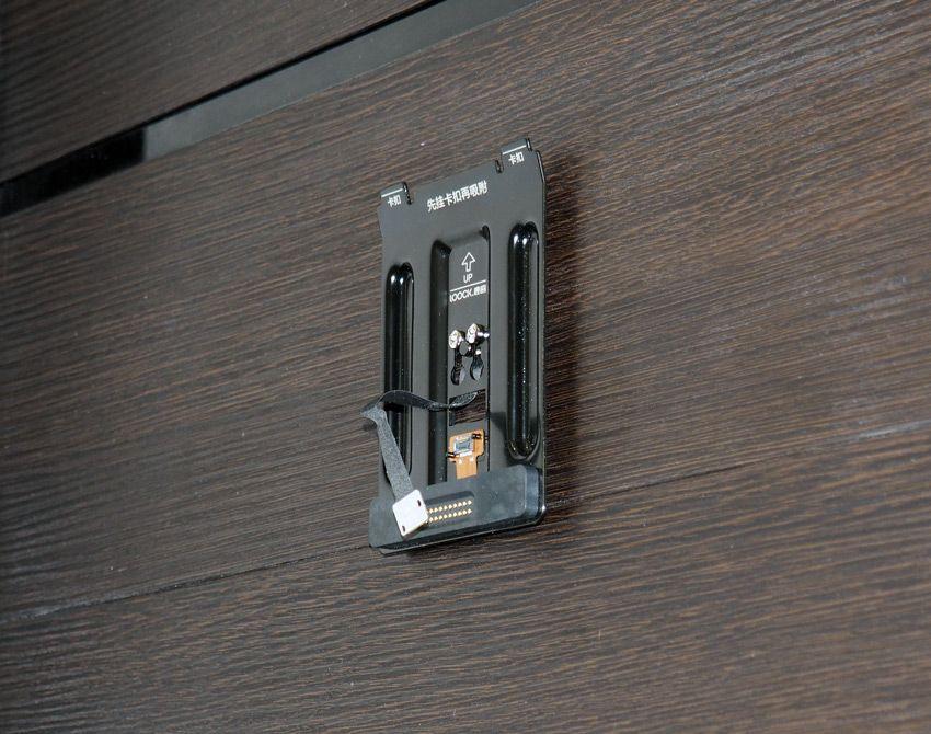Установка крепления видеоглазка Xiaomi на двери