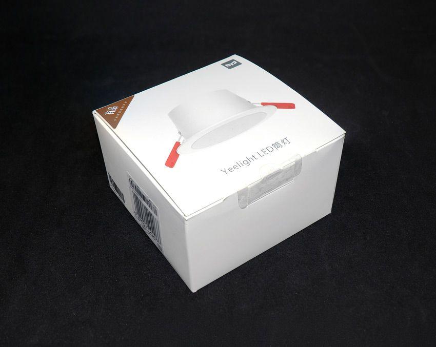 Коробка от точечного светильника Yeelight с рассеивателем