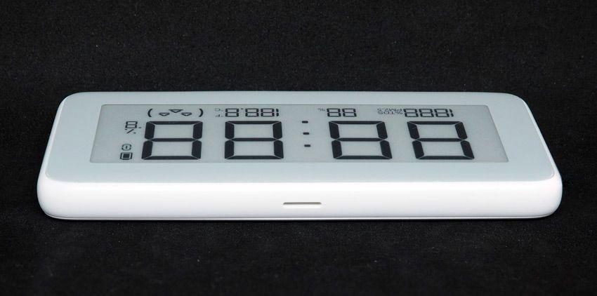 Вид сбоку на часы Xiaomi с датчиком температуры