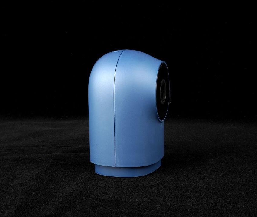 Камера синего цвета